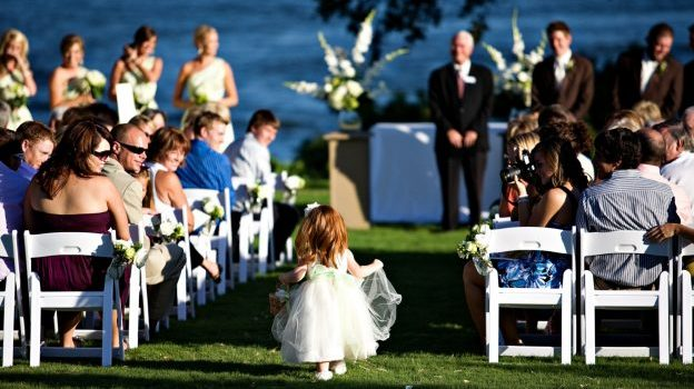 The Ultimate Flower Girl Guide to a Wedding